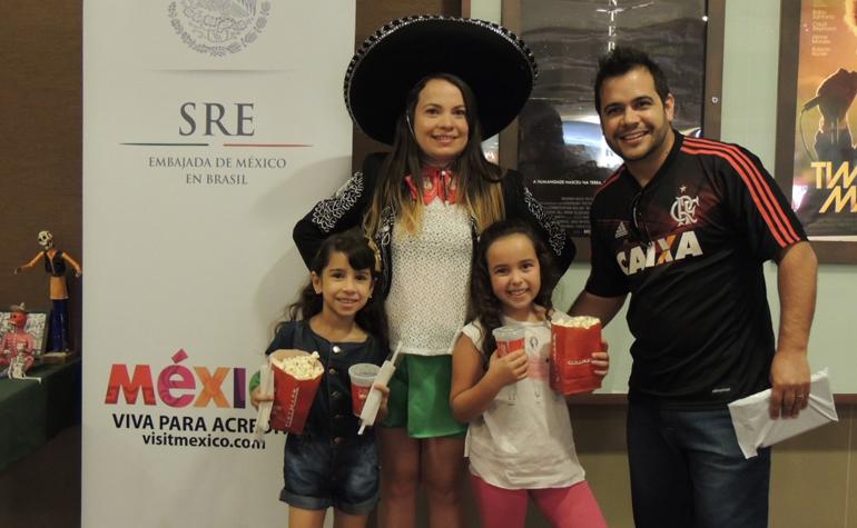 Guilherme Barbosa Sandoval Junior e suas filhas