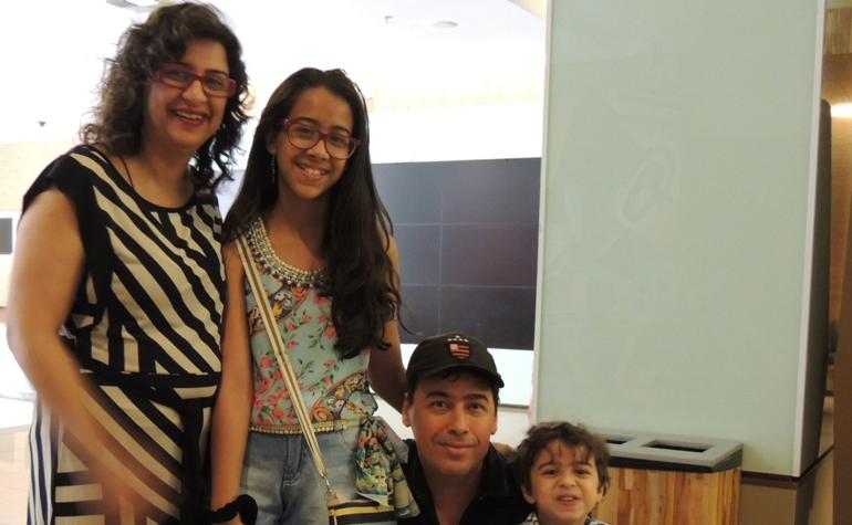 Rhemora, seu marido e seus filhos